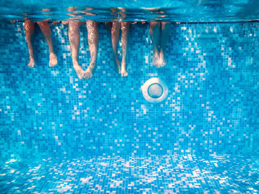 Consejos claves para reducir el gasto de agua de tu piscina